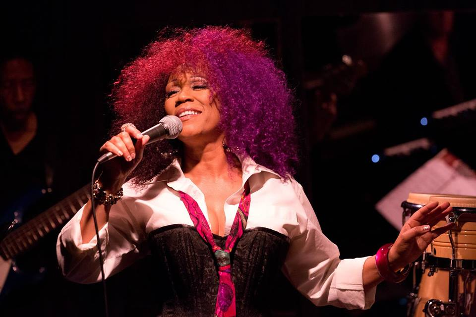 Vocalist Windy Barnes performing in San Pedro photo
